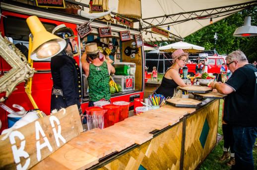 Foodcorner tijdens ParkCity Live, Heerlen 6-7-2014