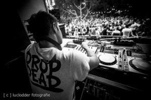 DJ PureSang tijdens ParkCity Live, Park Bekkerveld, 23 juni 2012