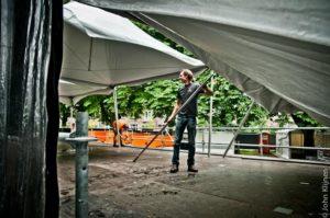 ParkCity Live terrein in opbouw, Partyland bouwt de tenten