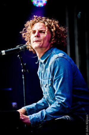 Toploader live op B-Stage tijdens ParkCity Live, Park Bekkerveld, 23 juni 2012