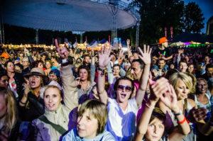 Publiek bij Memphis Maniacs tijdens ParkCity Live, Heerlen 6-7-2014