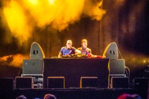 Sven Feijen en Jean de la Foret vullen de pauzes in de Voetbal wedstrijd Nederland Costa Rica!, tijdens ParkCity Live, Heerlen 5-7-2014