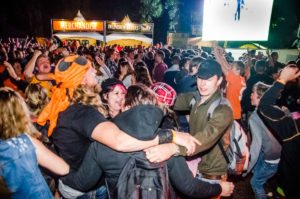 De vreugde nadat Nederland wint van Costa Rica! Voetbal kwart finale tijdens ParkCity Live, Heerlen 5-7-2014